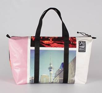 Recycled Billboard Bag - med gear 30462