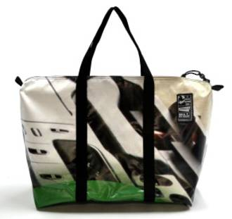 Recycled Billboard Bag - med gear 30528