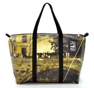 Recycled Billboard Bag - med gear 30588